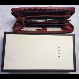 2906072c5e9 Gucci Bags - NIB GUCCI QUEEN MARGARET BEE ZIP AROUND WALLET